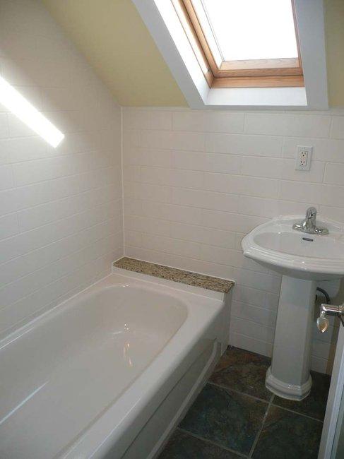 hanna_bathroom_before